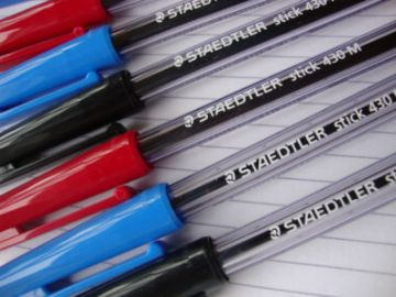 10 STAEDTLER BALL POINT PENS BLACK + BLUE + RED